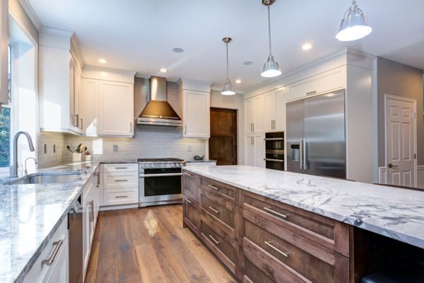 kitchen cabinets installer